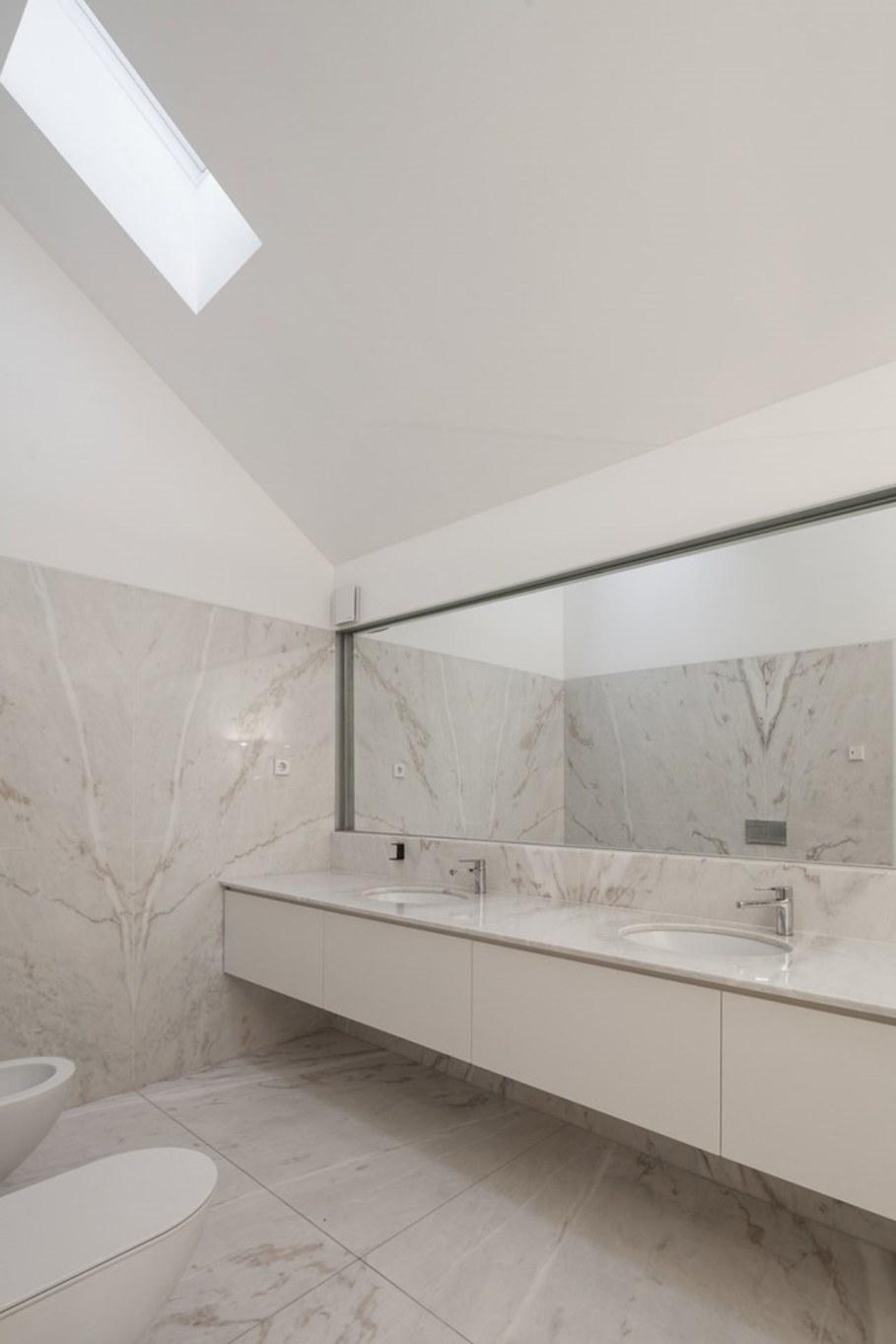 House of four houses - bathroom 2