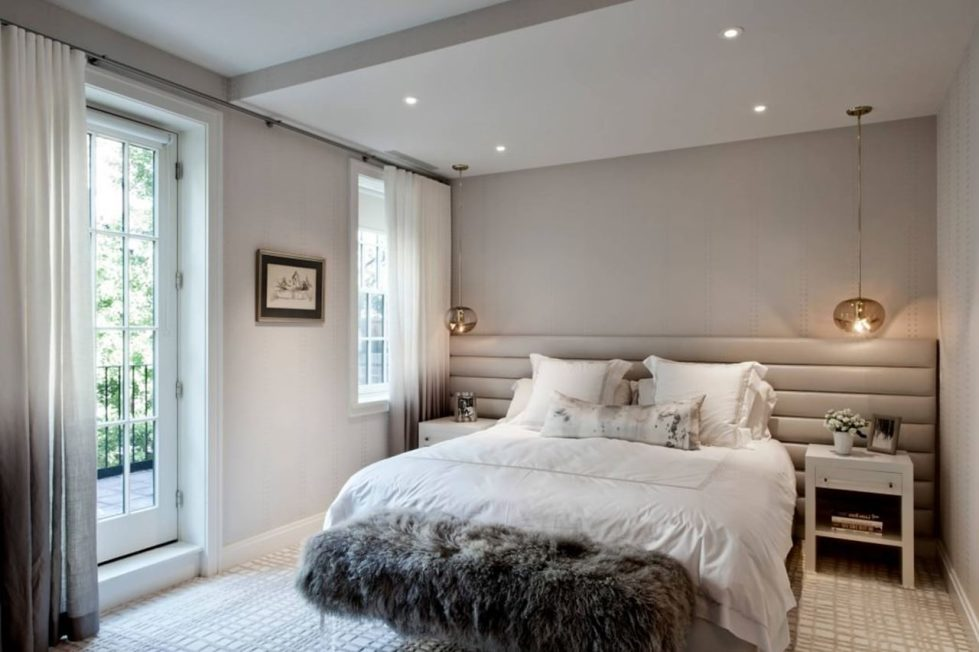 New York townhouse in a mixed style - bedrooms in bright colors are not overloaded with furniture and decor