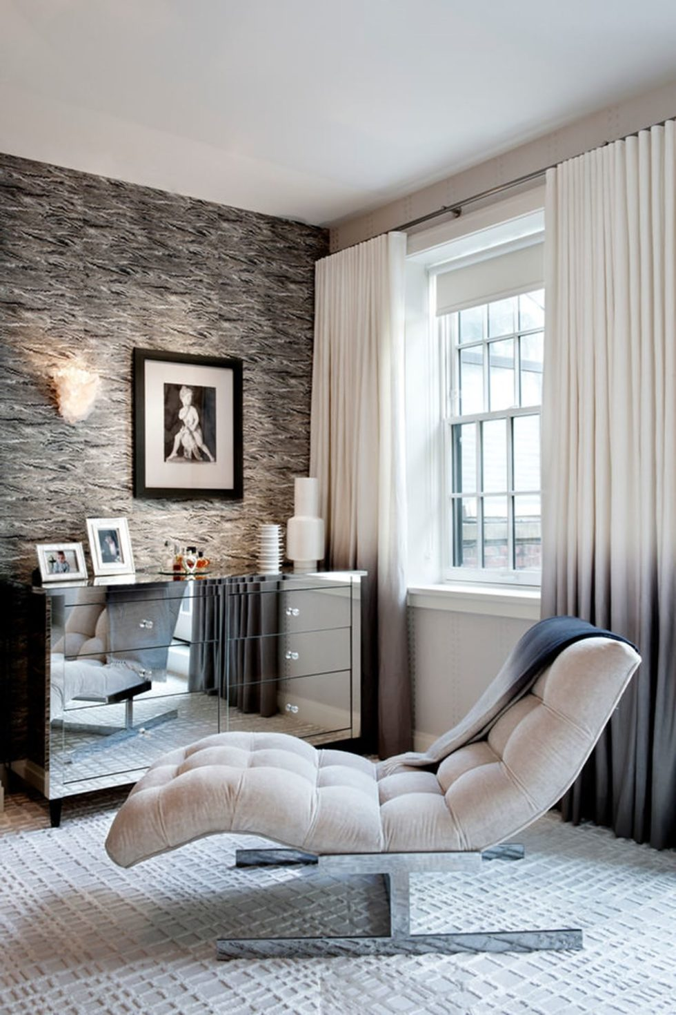 New York townhouse in a mixed style - comfortable chair