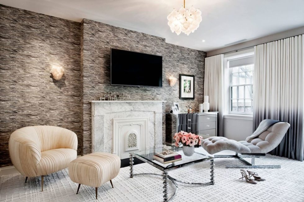 New York townhouse in a mixed style - room with a fireplace is decorated with a hint at the vintage style