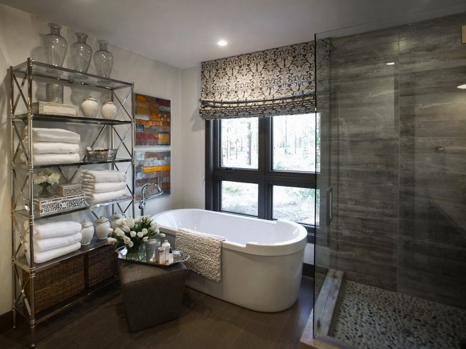 Out-Of-Town Cottage, Located In The Woods - Bathroom