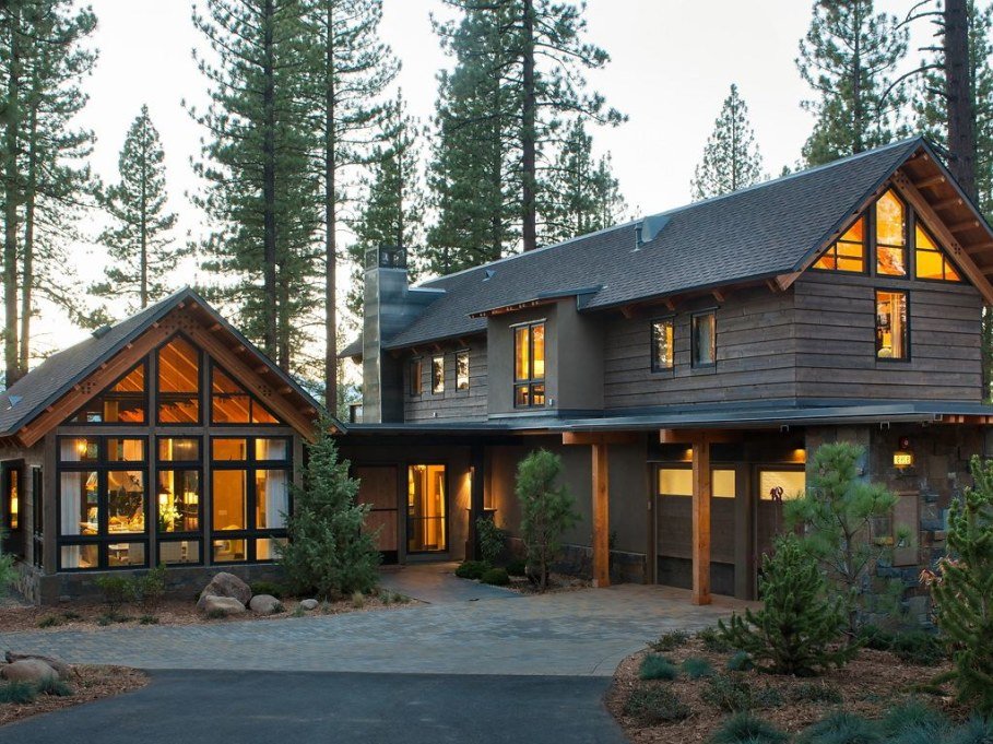 Out-Of-Town Cottage, Located In The Woods - Facade 2