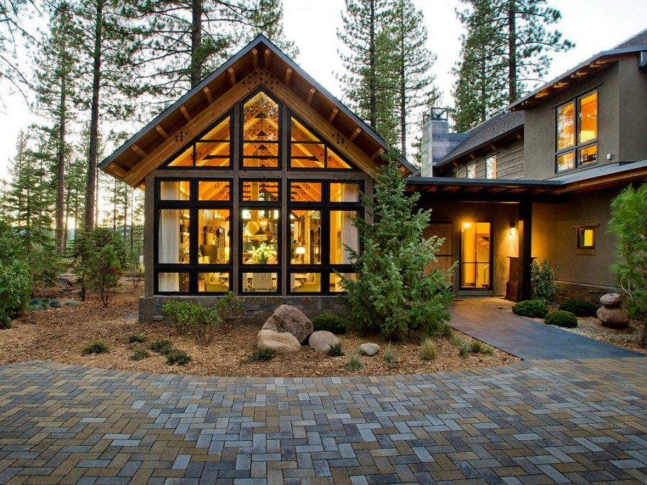 Out-Of-Town Cottage, Located In The Woods - Facade 4