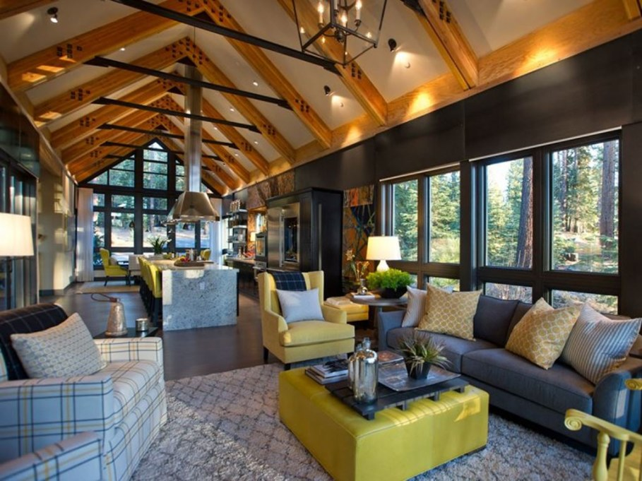 Out-Of-Town Cottage, Located In The Woods - Living room
