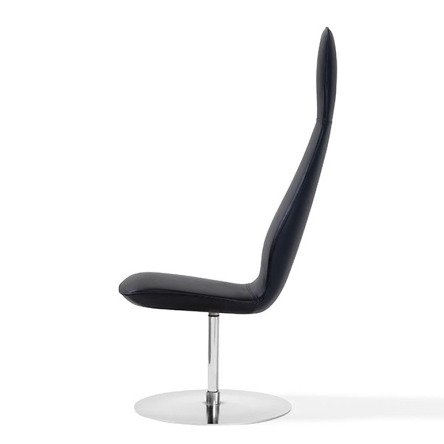 Poppe Chair graceful shape