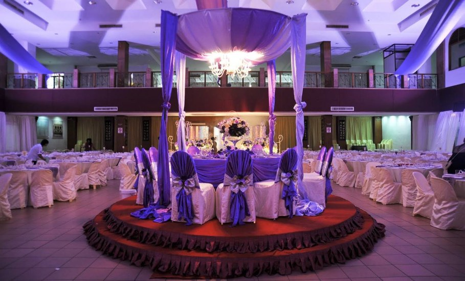 Creating emphasis for purple wedding decorations