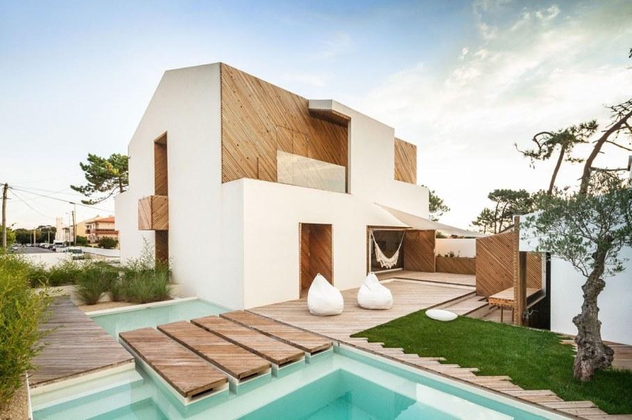 Silver Wood House By Ernesto Pereira 4