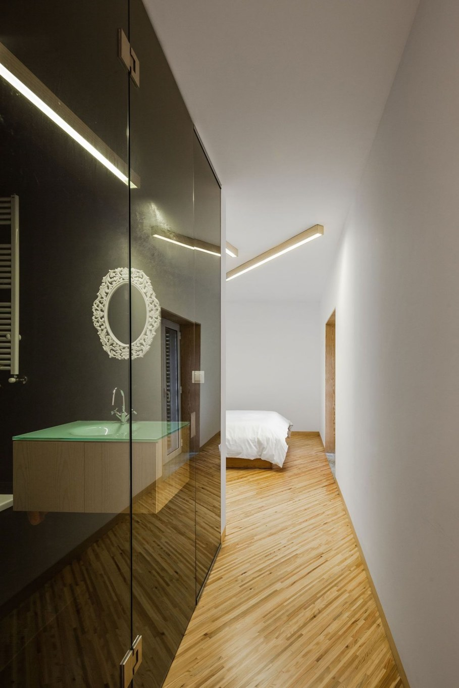 Silver Wood House By Ernesto Pereira - Bedroom