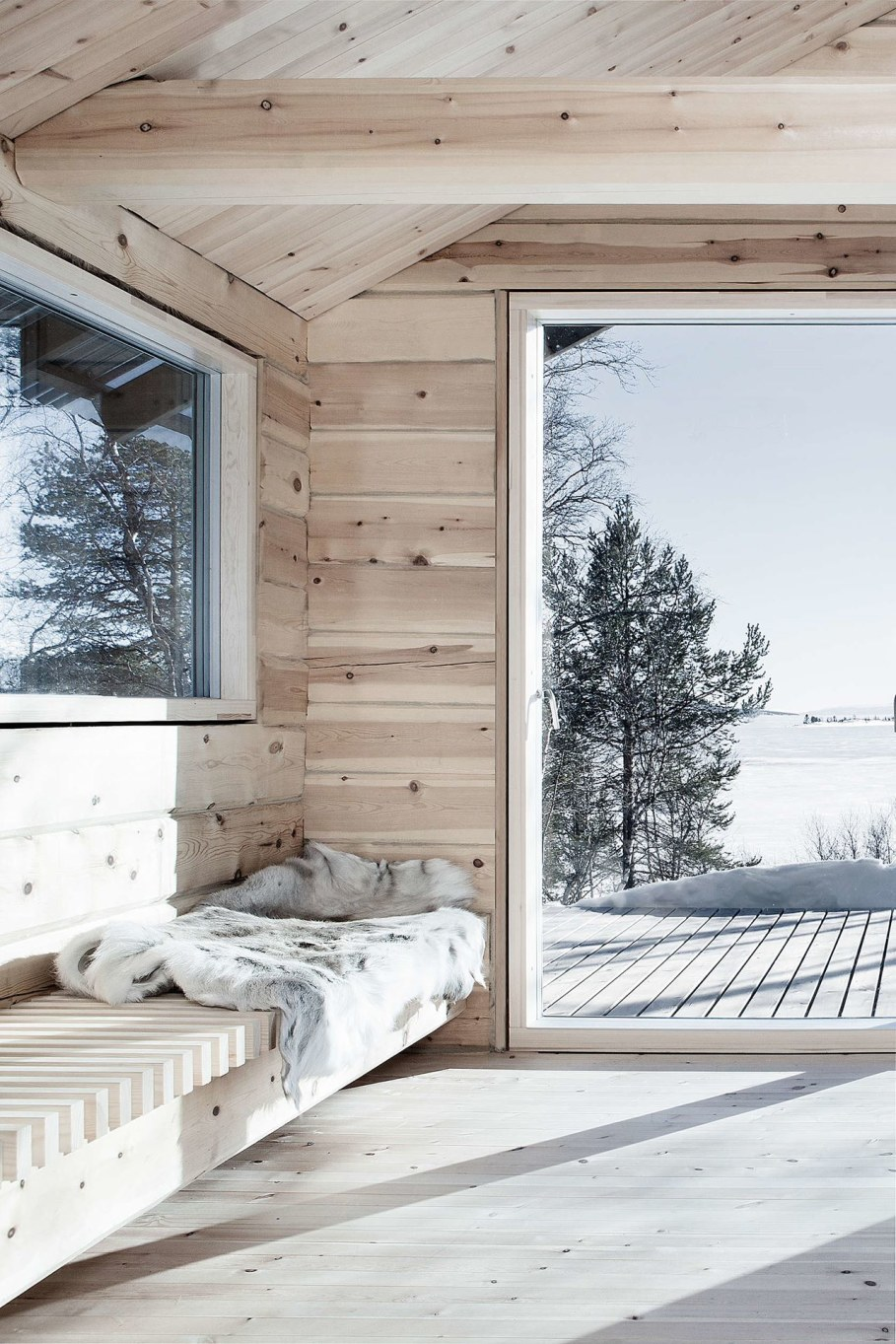 The wooden house in Norway - interior 2