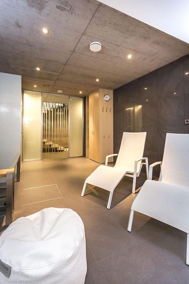 This modern three-story house - bathroom - recreation area