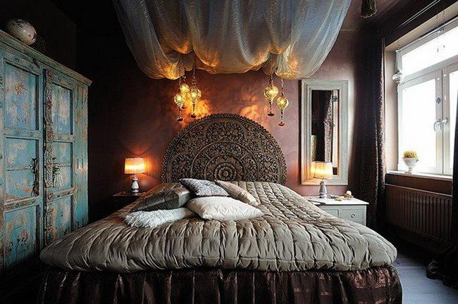 apartments-stockholm-design-bedroom-huge-bed