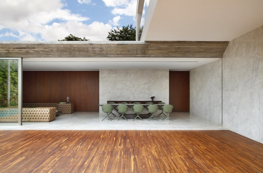 AN House From Studio Guilherme Torres - Dining place