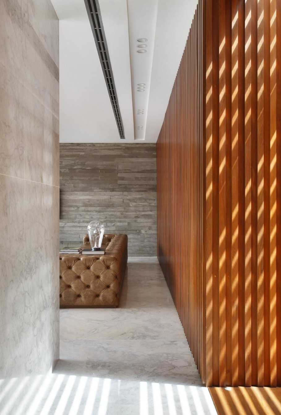 AN House From Studio Guilherme Torres - Living room 3