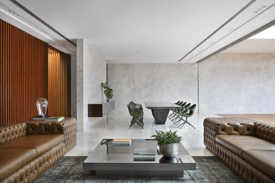AN House From Studio Guilherme Torres - Living room and dining place