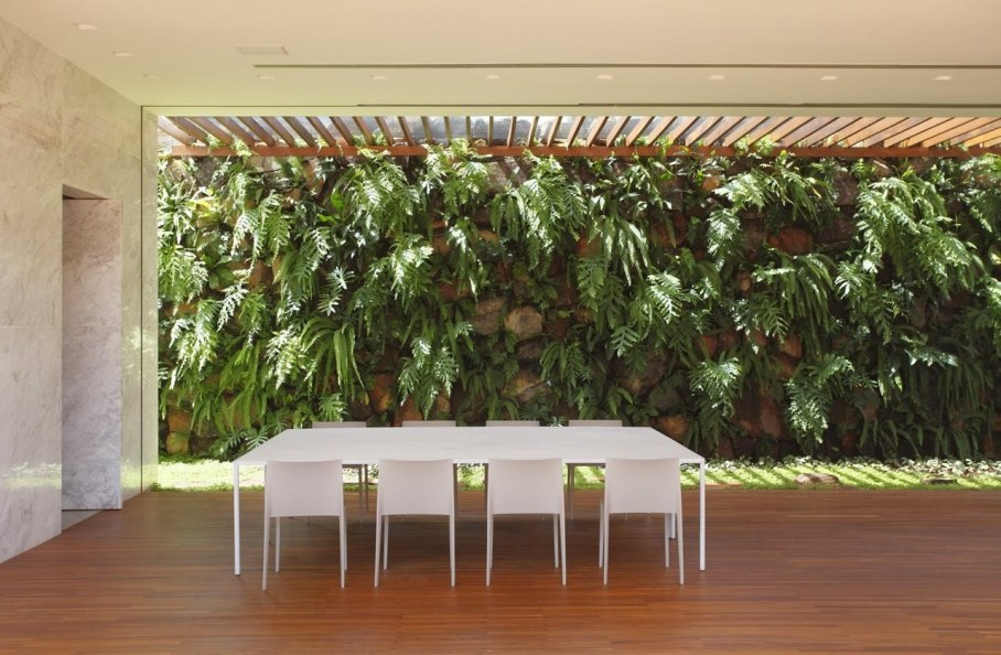 AN House From Studio Guilherme Torres - Outdoor Dining place