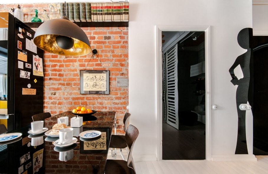 Bright and stylish interior of the apartment in Warsaw - Dining table