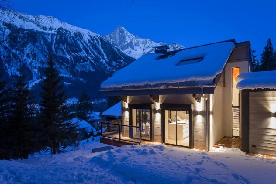 Chalet Dag in Chamonix by Chevallier Architectes