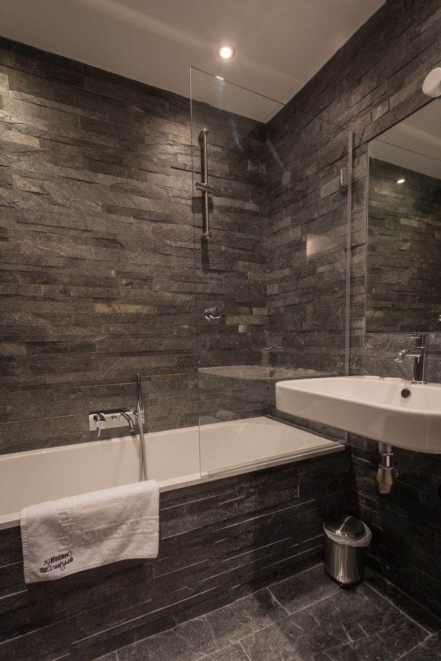 Dag Chalet In France - Bathroom