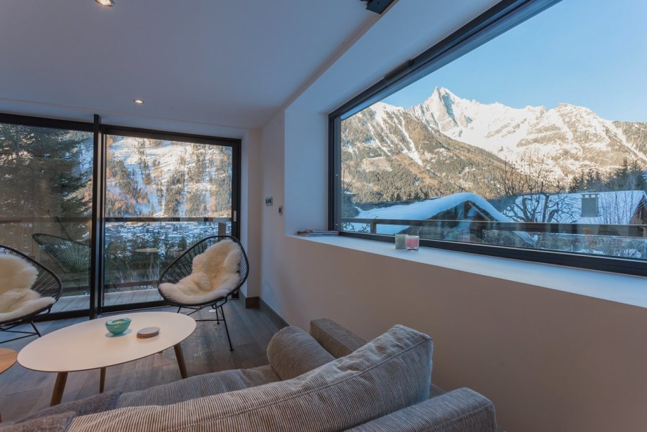 Dag Chalet In France - mountain view