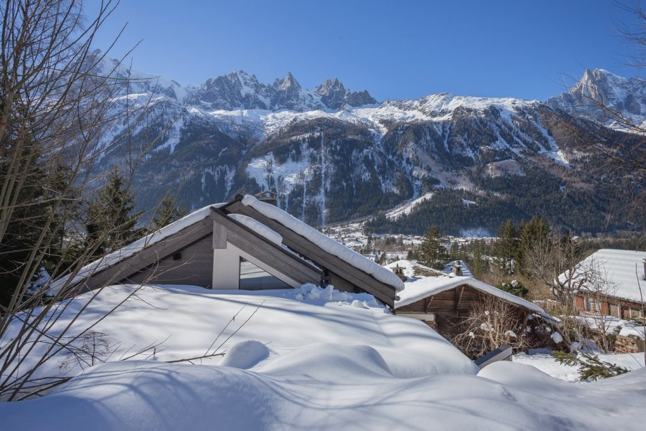 Dag Cottage - design by Chevallier Architectes - mountain view