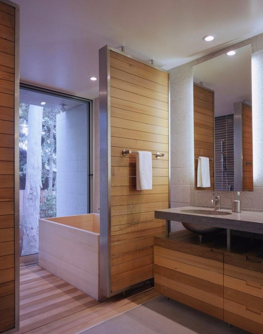 House in Los Angeles from Marmol Radziner - Bathroom