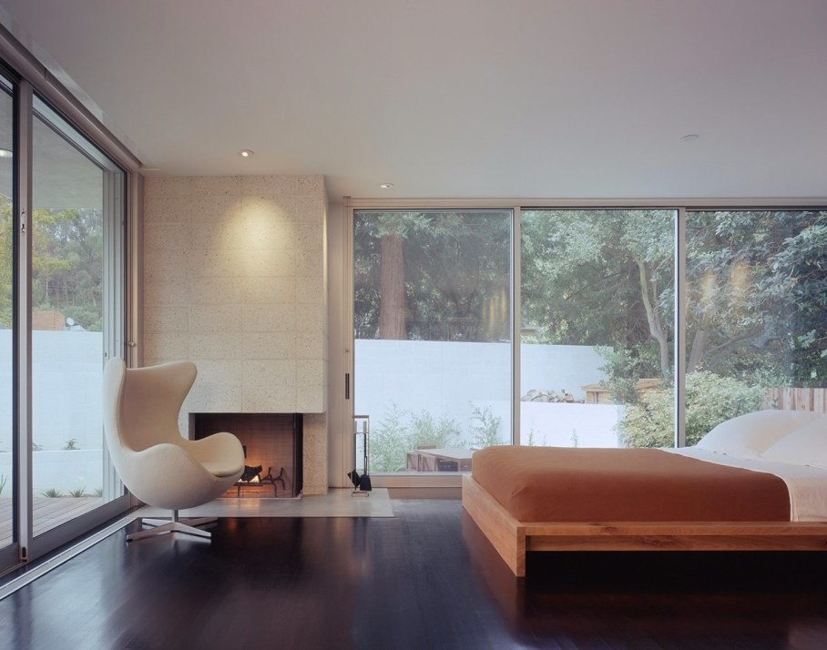 House in Los Angeles from Marmol Radziner - Bedroom