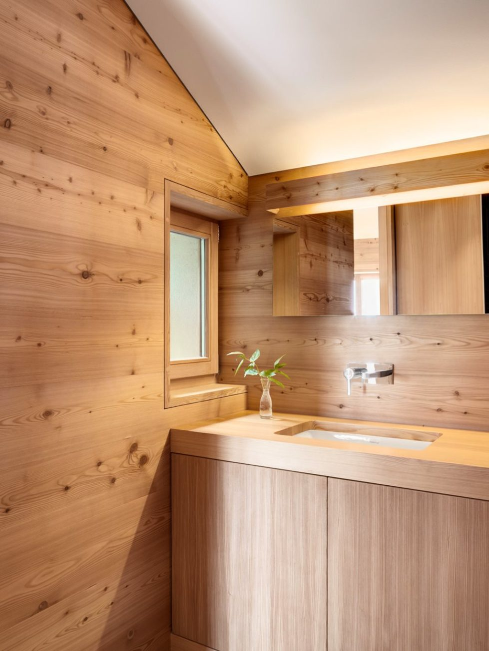 Humble Chalet in Switzerland - Bathroom 2