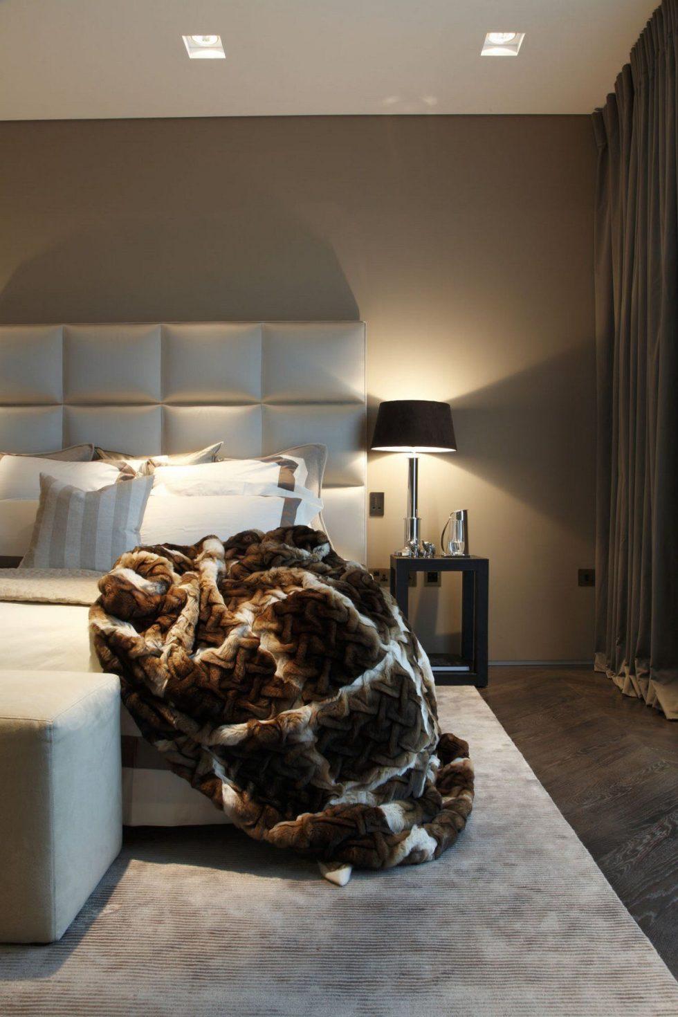 Kensington Place - Gorgeous fur blanket