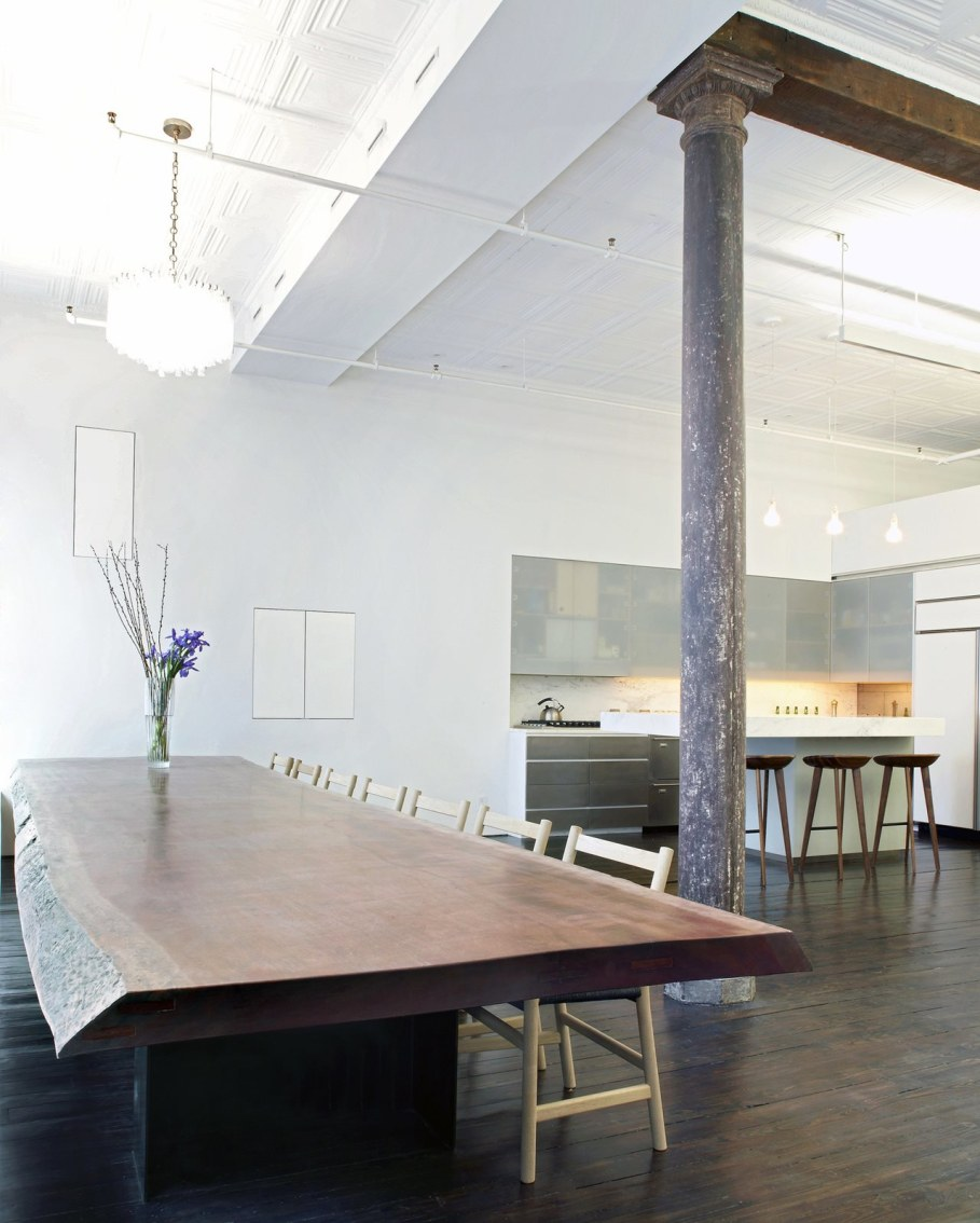 Loft Of 300 square meters in New York - Kitchen anf dining table