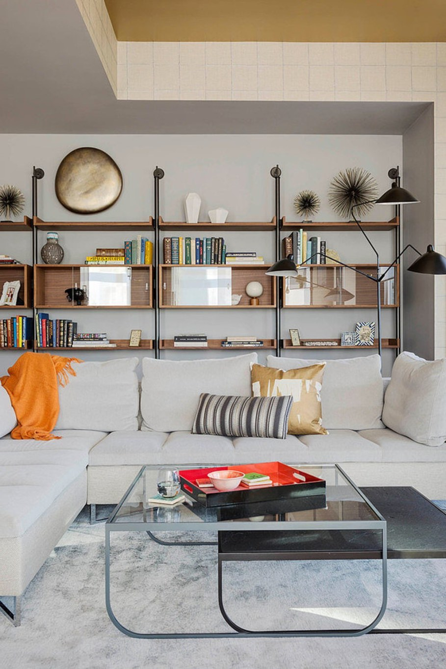 Modern apartment with three bedrooms decorated in eclectic style - classical library
