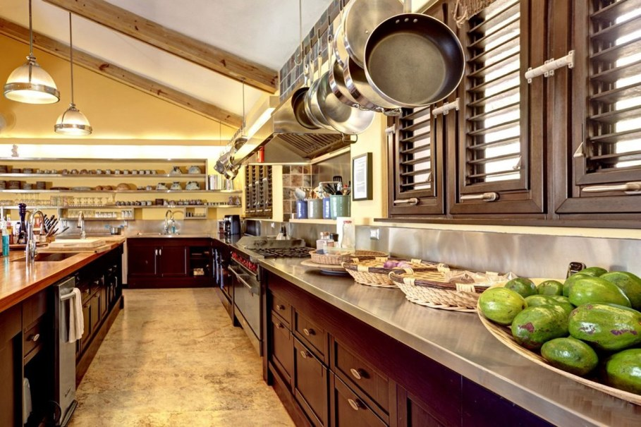 Onshore Villa At The Dominican Republic - Kitchen