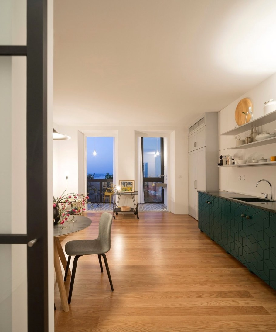 Principe Real Apartment from Fala atelier - Kitchen and dining table