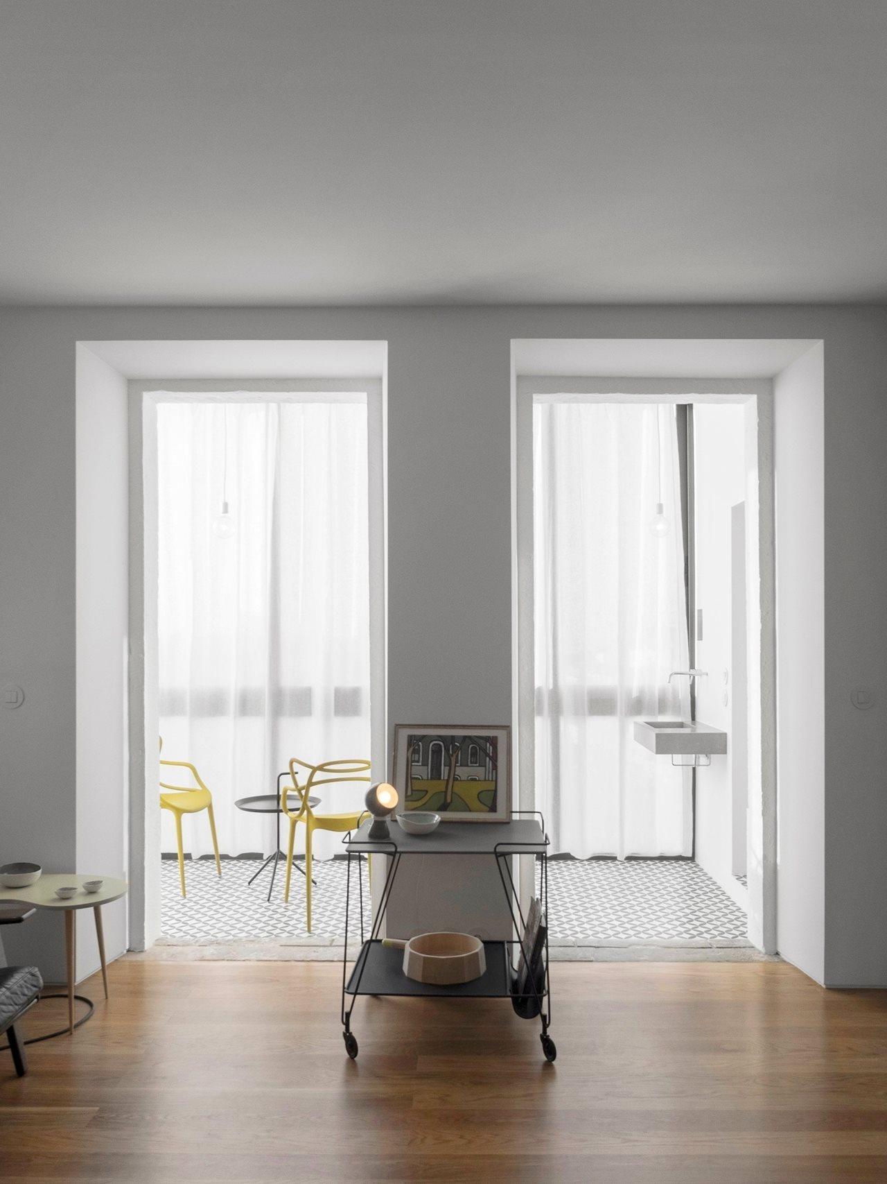 Apartment Renovation In Manhattan: Old Apartment Renovation In Lisbon