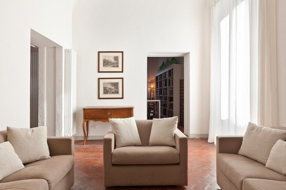 Renovation Of The Former Monastery Building in Tuscany - Living room