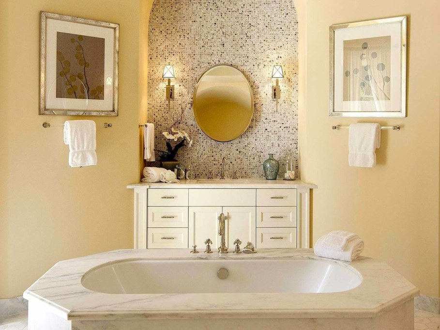 Santa Barbara 'Scarface' Mansion - Bathroom