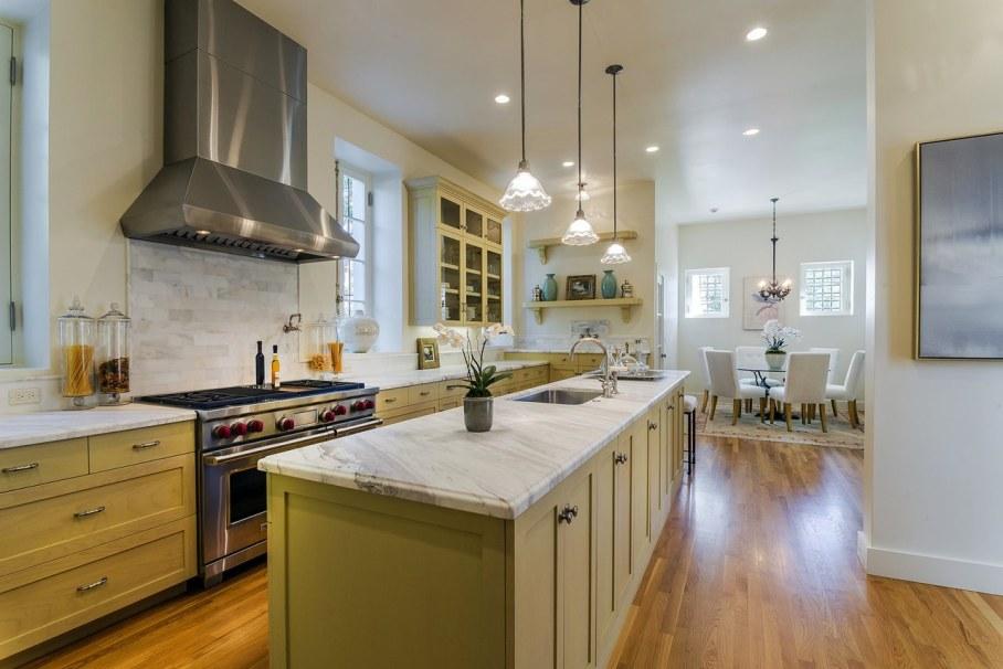 Santa Barbara 'Scarface' Mansion - Kitchen