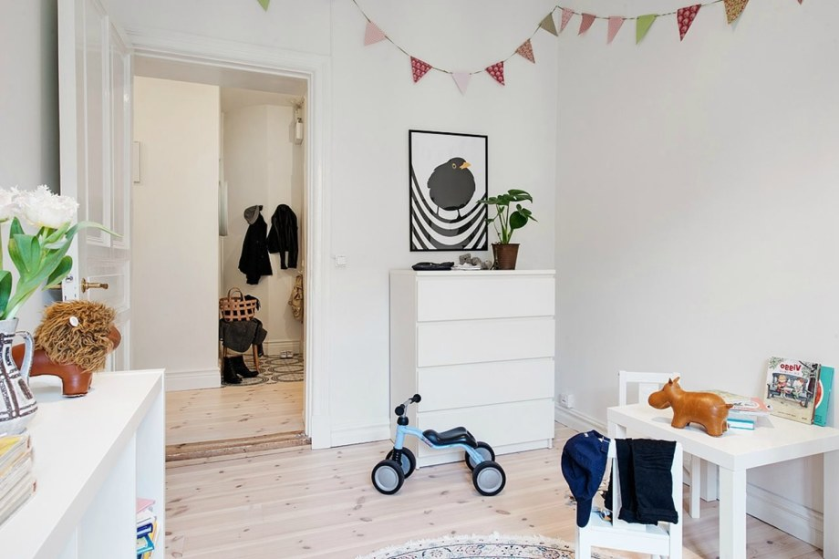 Scandinavian-Styled-Childrens-Room-17