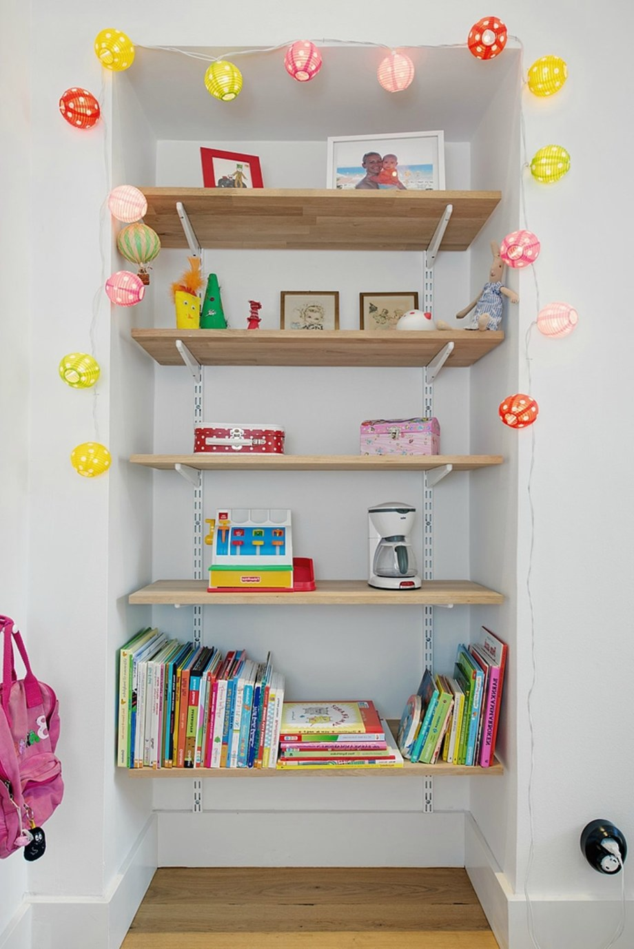 Scandinavian-Styled-Childrens-Room-2