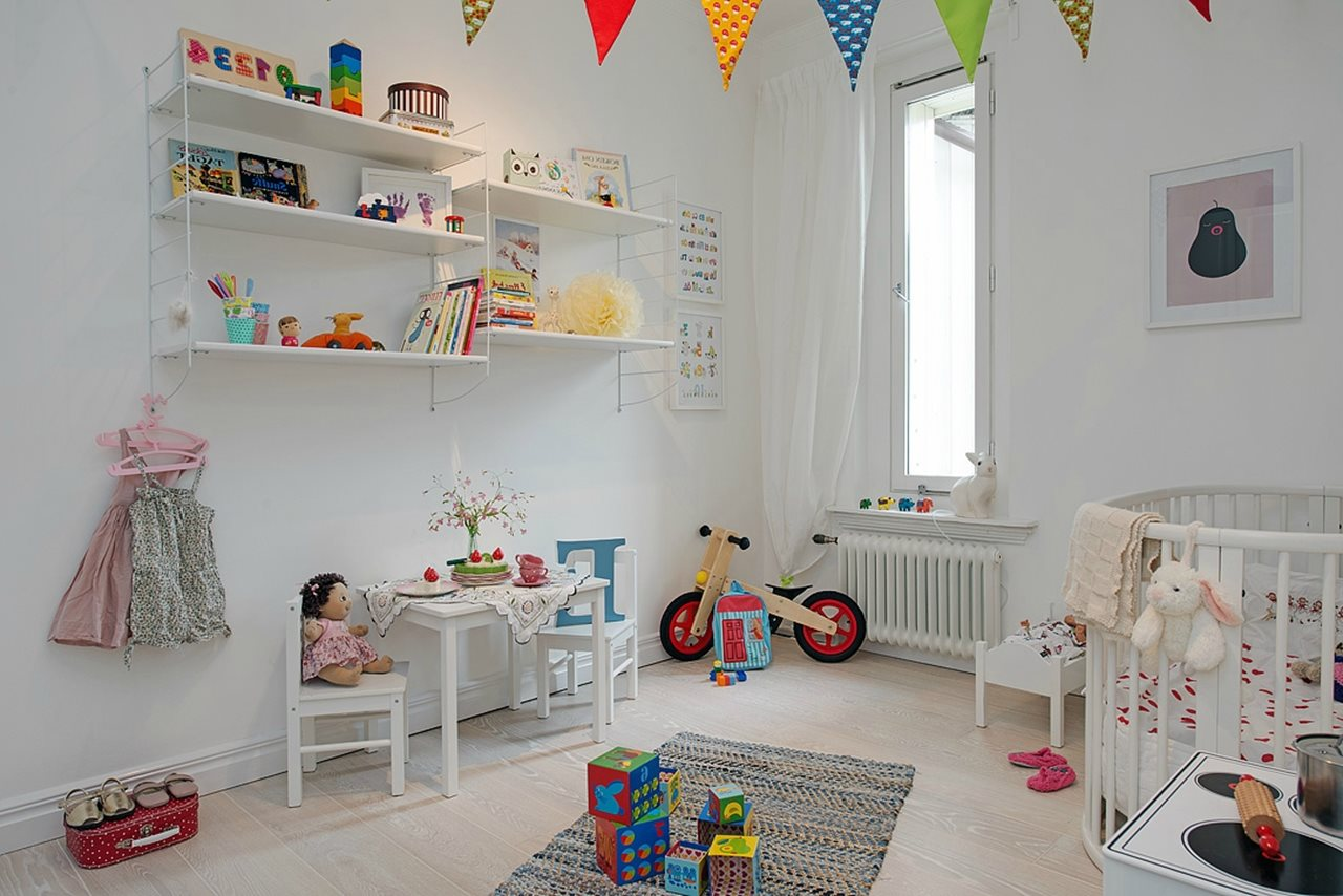 Decorate Nursery Shelves