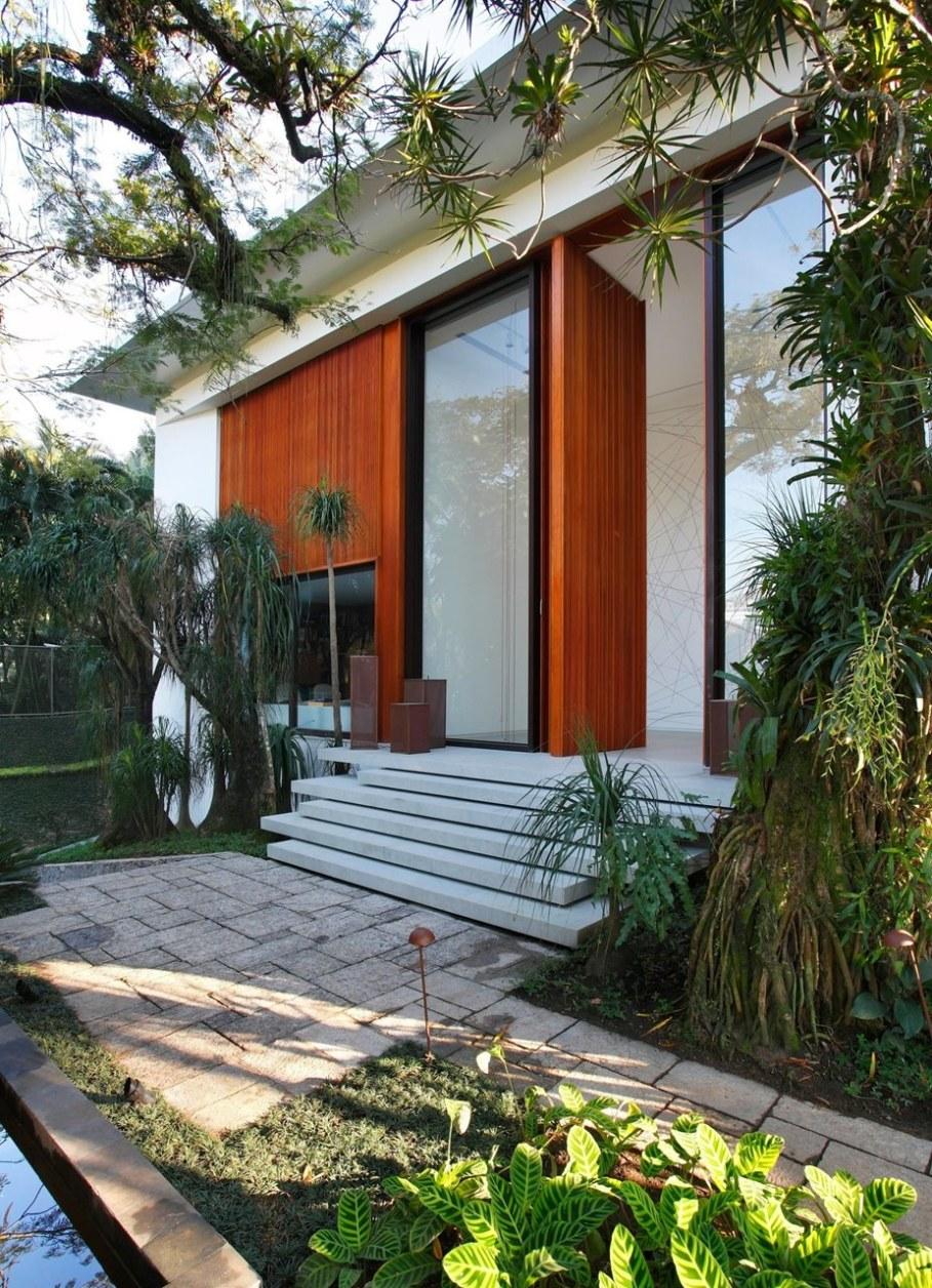 Tempo House - Entrance