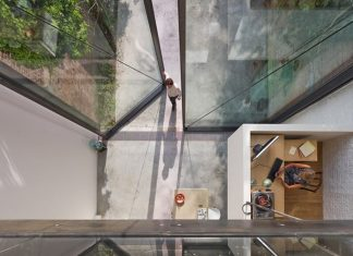 The house with the world's largest glass doors