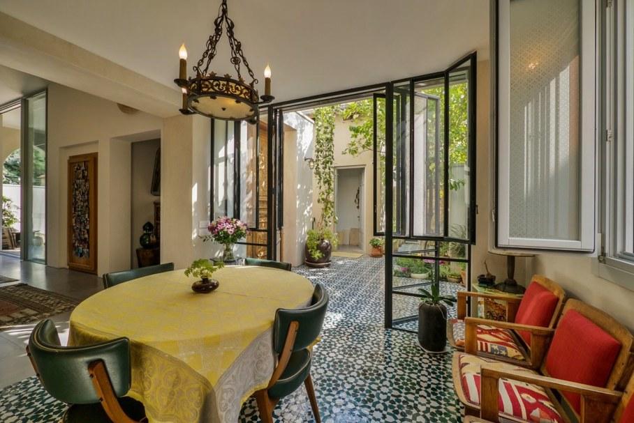 Villa from Witt Architects In Tel-Aviv - Dining place