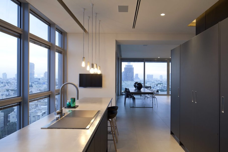 Apartments with panoramic views in Tel Aviv - Kitchen island