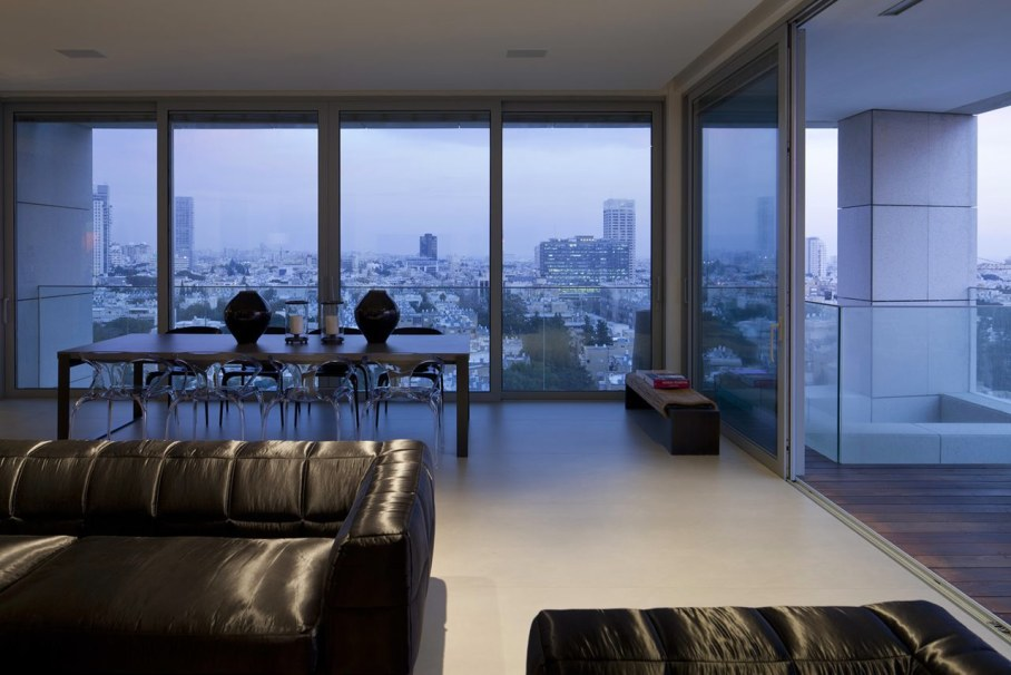 Apartments with panoramic views in Tel Aviv - Large windows