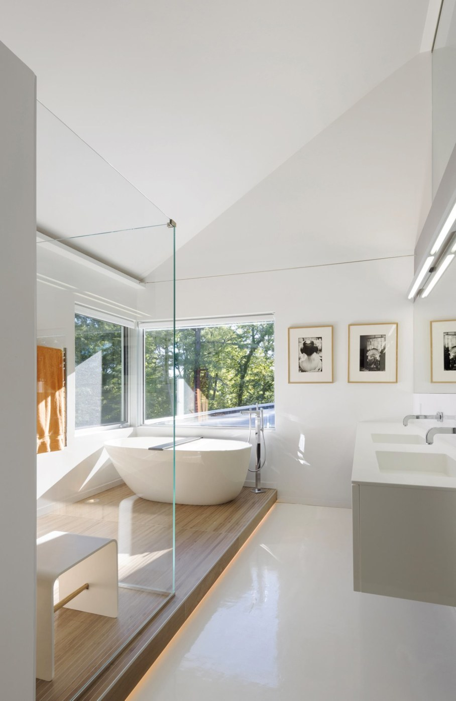Colonial house from Fougeron Architecture studio - Bathroom 3