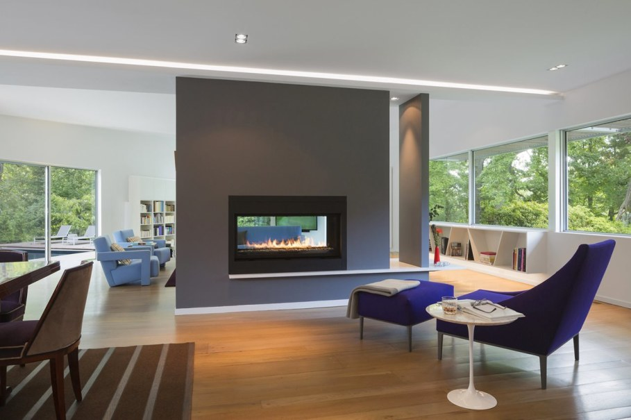 Colonial house from Fougeron Architecture studio - Fireplace