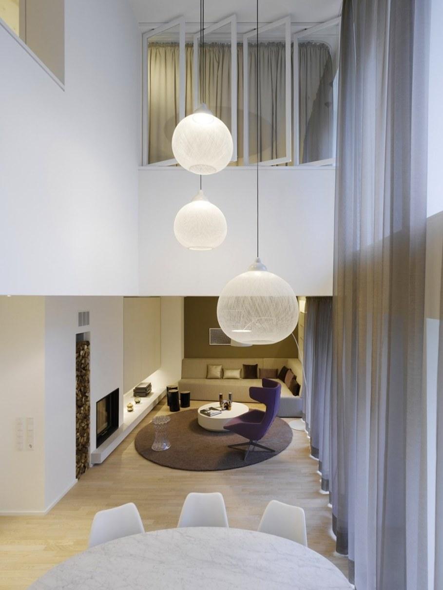Elegant interior design a duplex apartment with a for Exquisite interior designs
