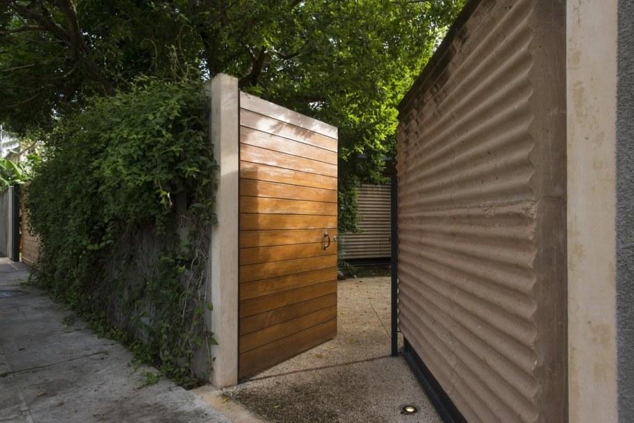 Energy-Saving Itzimna House in Mexico - Entrance