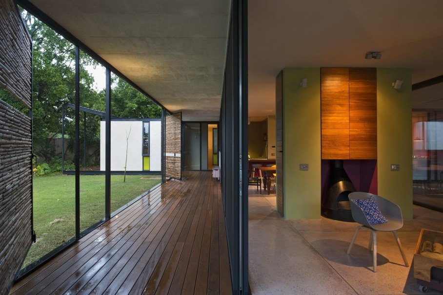 Energy-Saving Itzimna House in Mexico - Fireplace