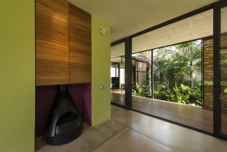 Energy-Saving Itzimna House in Mexico - Living room